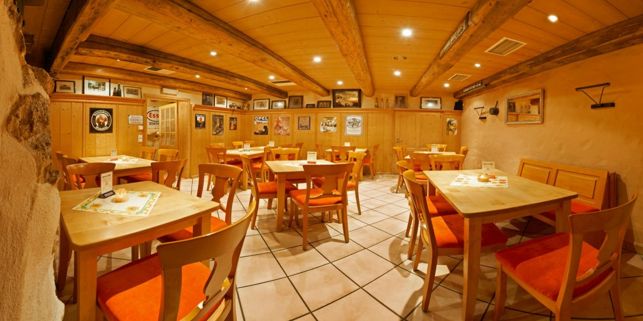 New World Cuisine Restaurant & Bar