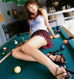 Balls in the pocket; billiards in Singapore