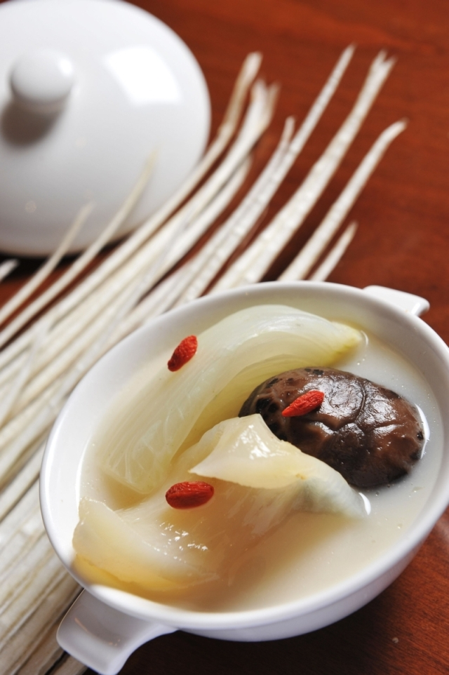 Double-Boiled Shark's Bone Cartilage Soup with Three Treasures