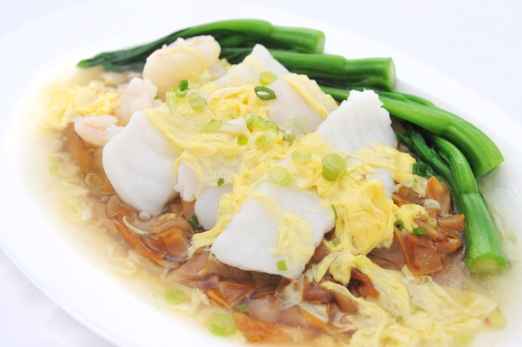Stewed CK Hor Fun with Assorted Seafood in Egg Sauce