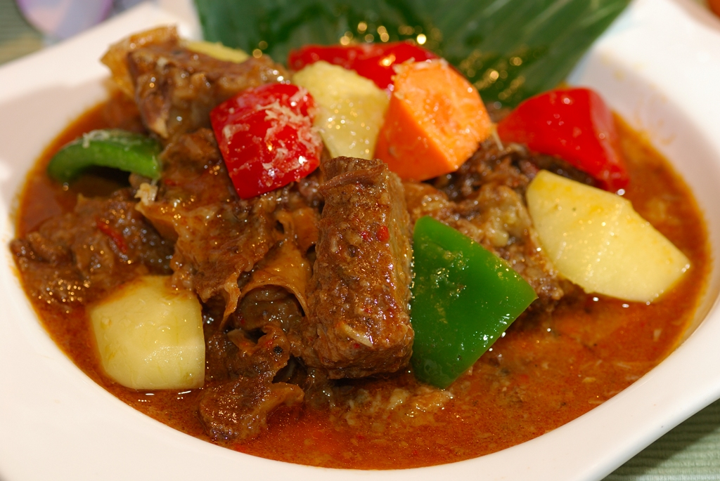 Beef Calderetta – Stewed Tender Beef Cubes with Potatoes & Capsicums in Tomato Sauce